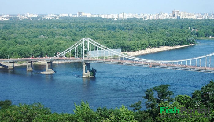 Река Днепр: главная водная артерия Украины